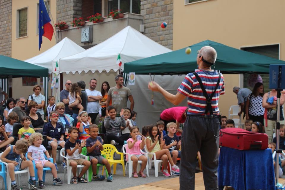 Il circo nella valigia spettacolo di Kirkos